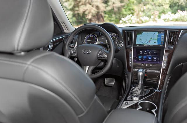 Infiniti Q50 2.0t interior