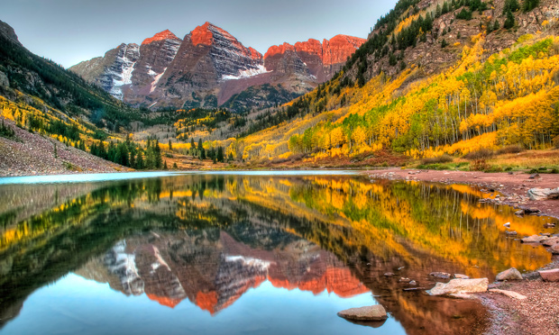 colorado mountains fall getaway maroon bells