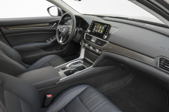 2018_Honda_Accord _Touring_2.0T_Interior