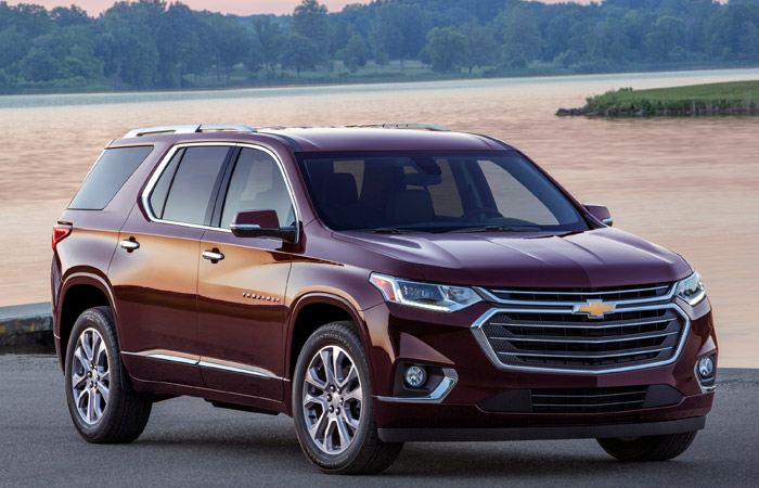 Red 2019 Chevrolet Traverse