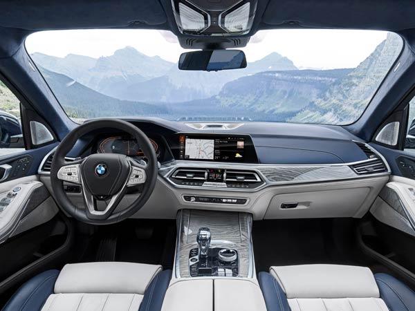2019 BMW X7 50i interior
