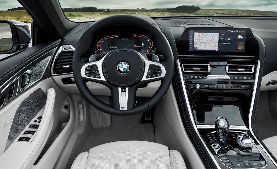 2019 BMW M850i interior
