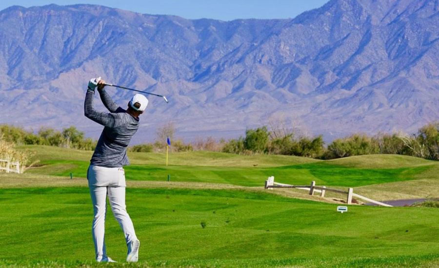 Golfer in Mesquite NV